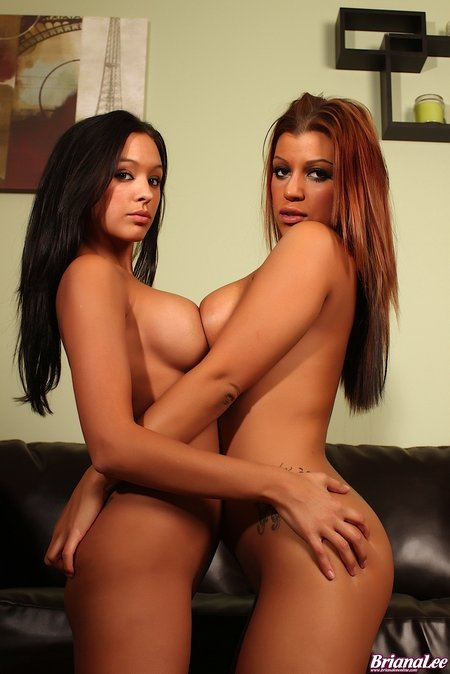 briana lee online gets naked with sammie 2